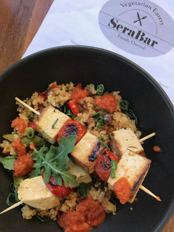 SeraBar Burleigh is a vegan and vegetarian cafe in the heart of Burleigh Heads. Catering for breakfast and lunch 7 days and Friday and Saturday night dinner