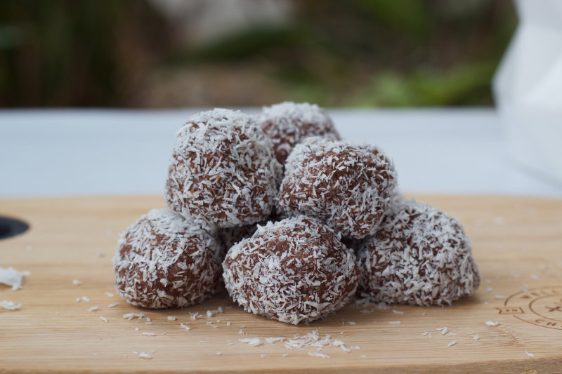 The easiest ever protein balls. Six ingredients, mix them together in one bowl and you've got a healthy, good for you snack ready in less than 20 minutes.